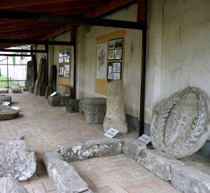 Kő tár